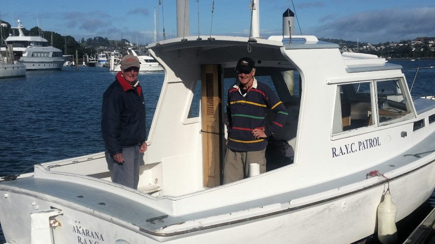 Fred Price and Bruce Middleton preparing to cast off