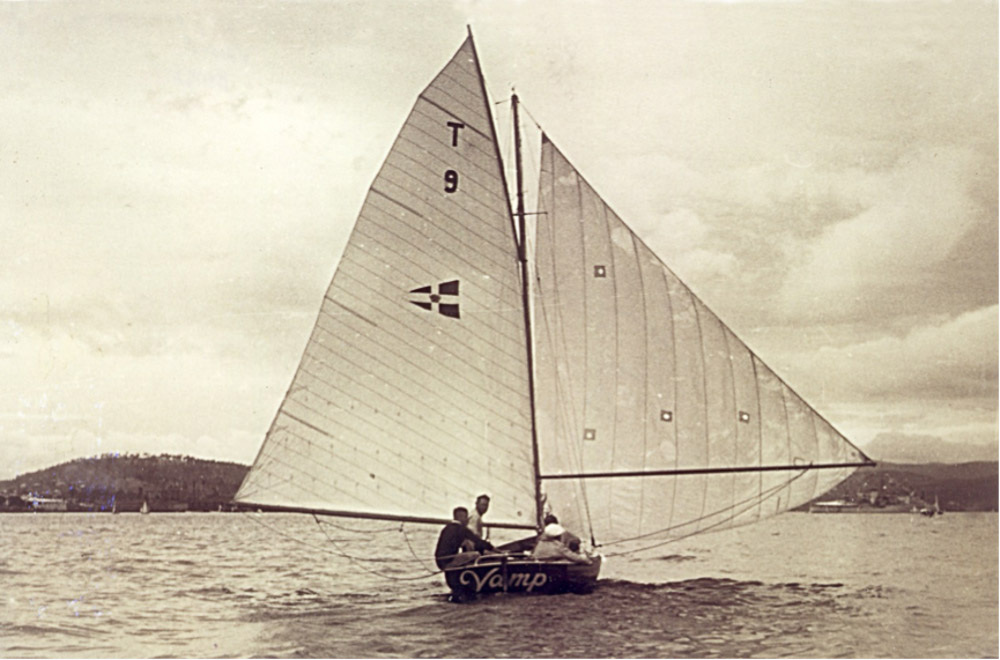 Vamp on the Derwent River with the burgee of the new RAYC on her sail