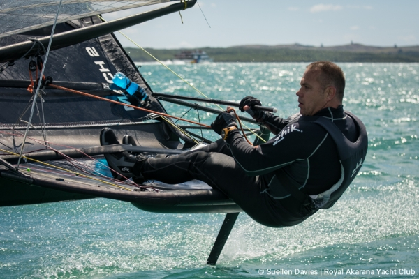 Russ Evans wins 2017 Moth New Zealand Championship