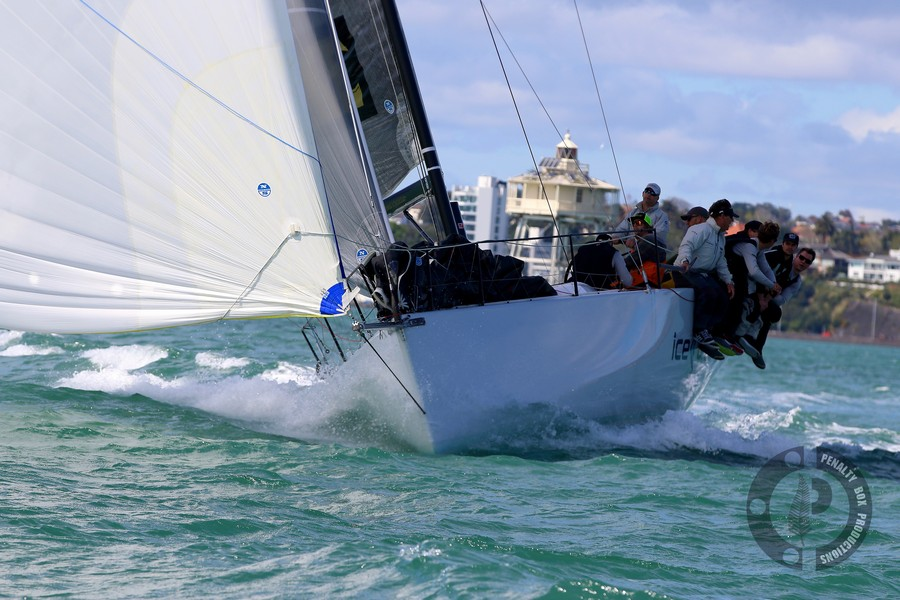 Photos: 17/18 PIC Marine Gold Cup Race 1