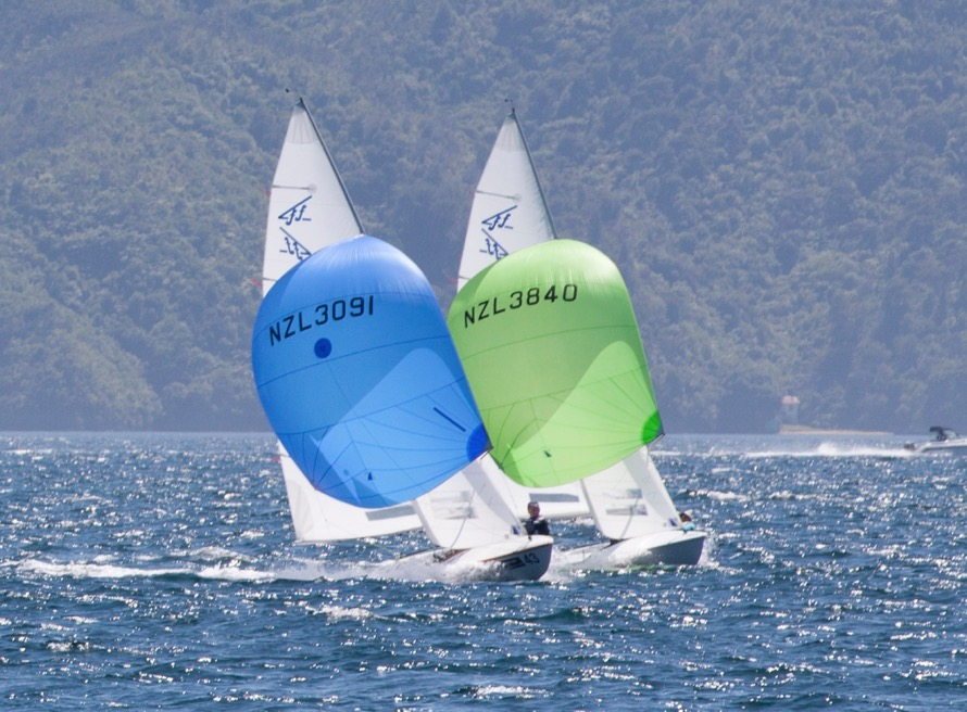 Murray Gilbert & Jono Burgess win Flying 15 Nationals